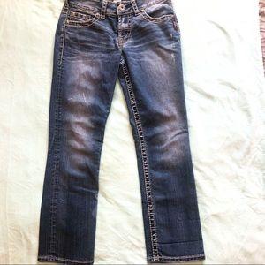 SILVER JEANS size W25 suki capris distressed